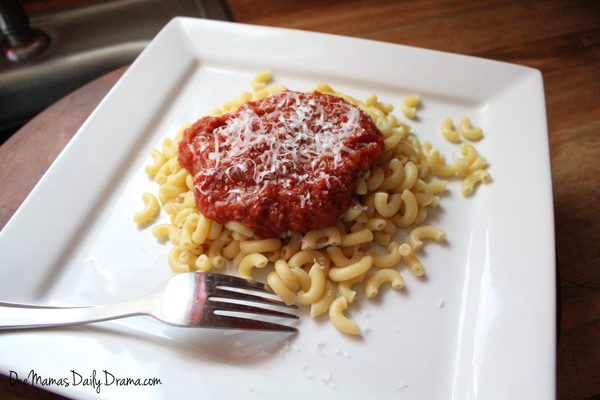 Veggie packed red sauce | from One Mama's Daily Drama --- Easy red sauce recipe for marinara, spaghetti, lasagna, etc.