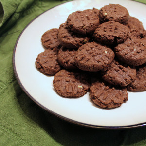 Mint chocolate sugar cookies   One Mama's Daily Drama --- Peppermint and chocolate together in a cookie that's the balance between soft and crunchy. So yummy!