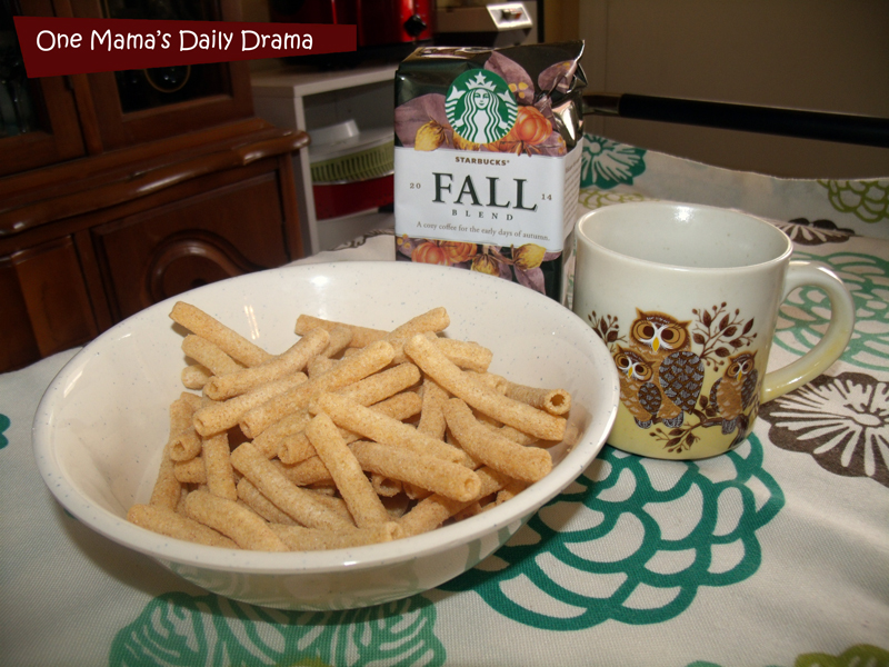 Snack time with Starbucks Fall Blend coffee | One Mama's Daily Drama