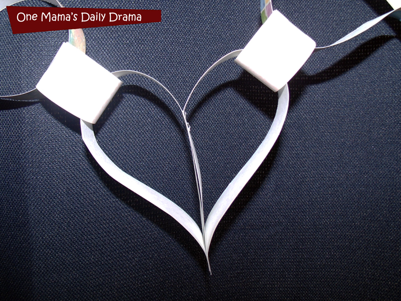 Paper heart chain craft for Valentine's Day | One Mama's Daily Drama