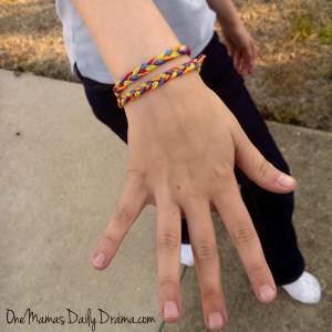 Rainbow friendship bracelets: a fun St. Patrick's Day craft for kids   One Mama's Daily Drama