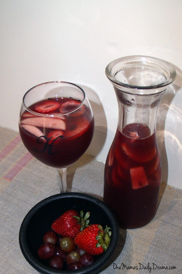 Fruity summer sangria recipe | One Mama's Daily Drama --- This is the perfect summer refresher, made with tons of fruit!