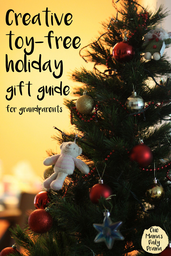 Creative toy-free holiday gift guide for grandparents