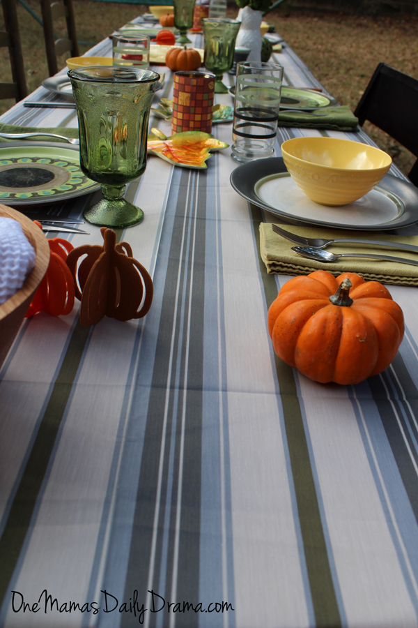 10 tips for hosting a big Thanksgiving dinner | One Mama's Daily Drama --- Plan a big celebration with friends and family. {Sponsored by At Home}