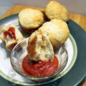 3 ingredient pepperoni pizza rolls | from One Mama's Daily Drama --- Quick and yummy snack recipe. Also makes a great weeknight meal with a big salad.