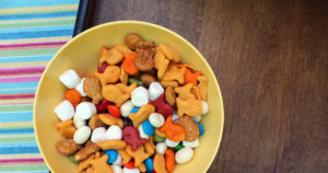 Unicorn food rainbow snack mix | A deliciously colorful snack for kids from One Mama's Daily Drama.