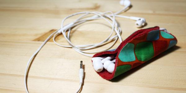 How to make a no-sew earbuds taco | OneMamasDailyDrama.com