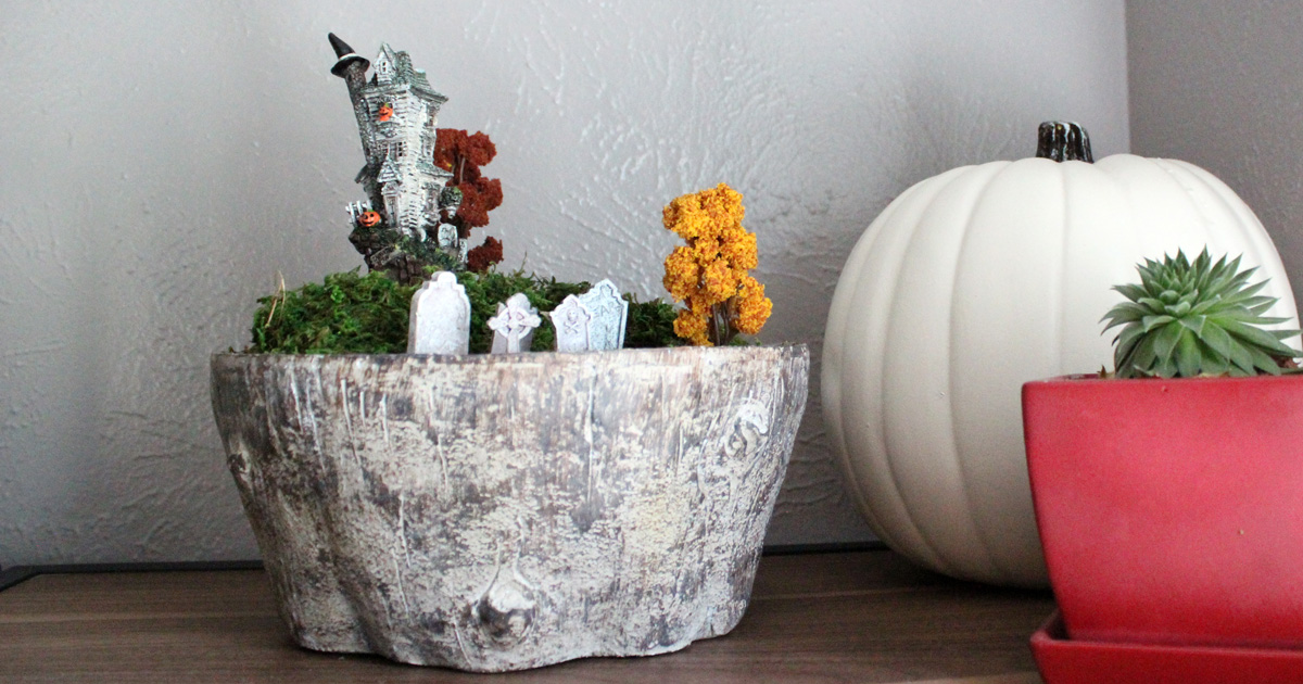 How To Build A Halloween Terrarium An Easy Fall Craft With Miniatures