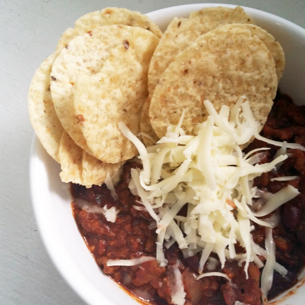 slow cooker chili with cheese and tortilla chips