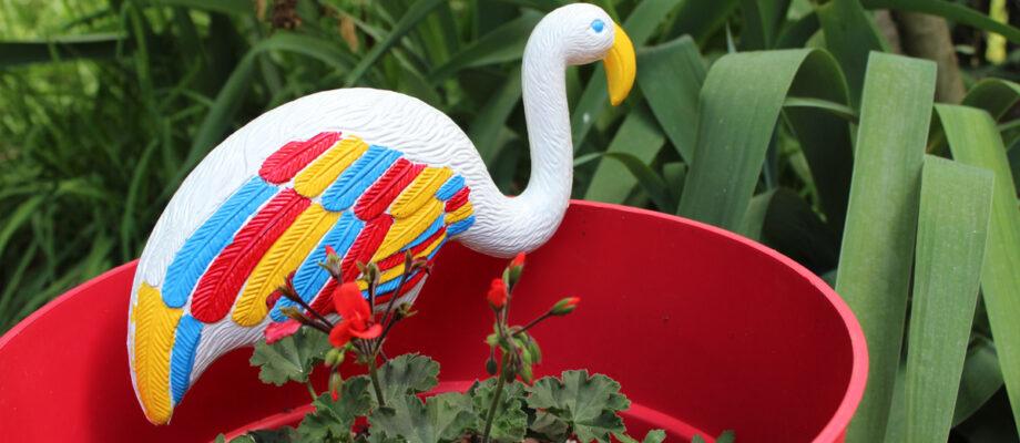 DIY Painted Yard Flamingo Planter